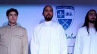 مصمم يقدم أزياء أنيقة ومضادة للرصاص.. ملك الأردن أحد زبائنه