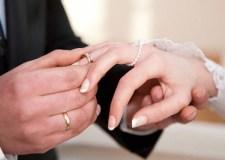 الزواج يحد من التوتر ويساعد على الالتزام بأسلوب حياة صحي