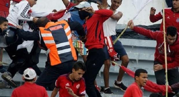 """مضاربة """"خايبة"""" بين الوداديين في الغابون.. والأمن يعتقل عددا منهم"""