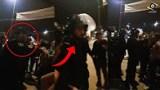 شاهدوا كيف أقنع شرطي المحتجين بالإنسحاب من الساحة بطريقة حضارية و سلمية بالحسيمة