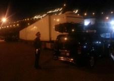 بالصور:جمارك أكادير تحجز شاحنتين محملتين بأكثر من 50 طنا من الأحذية والألبسة المهربة
