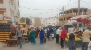 +صور: أحياء بأكادير تحت رحمة الباعة المتجولين، والساكنة تستغيث بالسلطات