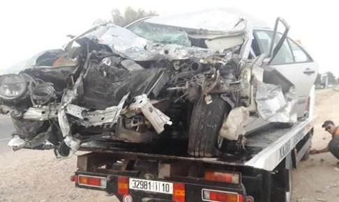 +صور مؤثرة: حادثة سير خطيرة بين سيارة وحافلة بإنزكان تسفر على ما يلي: