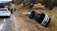 +صور: أمطار أكادير تكشف عن فضيحة انقلاب سيارة للكراء استغلها المكتري لنقل الركاب بمناسبة ذكرى المولد النبوي.