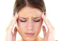 المرأة و  الإصابة بالصداع والصداع النصفي.