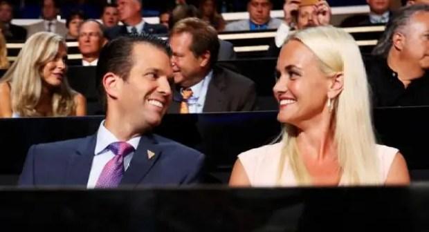 """""""مسحوق أبيض غريب"""" يرسل زوجة ترامب إلى المستشفى"""