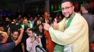 بعد اعتزاله الغناء نهائيا…جمهور الفنان الشعبي عبد الله الداودي في حملة لإقناعه بالعدول عن قرار اعتزاله