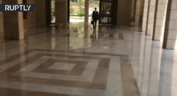 بالفيديو:أول ظهور لبشار الأسد بعد القصف الجوي