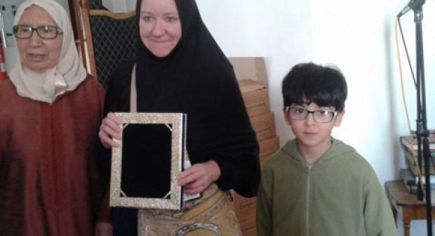 أستاذة لمادة الإنجليزية تحمل الجنسية الأمريكية تعلن إسلامها بأكادير.