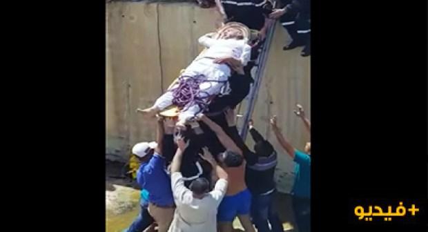 فضيحة بالفيديو:انقاذ ضحايا حادثة سير بطرق بدائية يشعل مواقع التواصل الاجتماعي