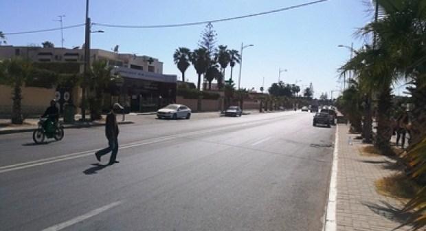 طريق الموت بين أكادير و إنزكان يواصل حصد الضحايا وسط مطالب بحل يجنب المنطقة المزيد من الحوادث.