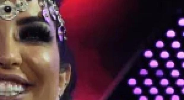 بالصور والفيديو:دنيا باطمة تتعرض لموقف محرج على منصة مهرجان تيميتار بأكادير.