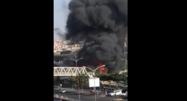 عااجل:(+فيديو):حريق مهول ودوي انفجارات بالعاصمة الاقتصادية..