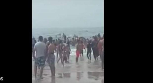 (+فيديو)اعتقال تلاثة أشخاص استفزوا المصطافين بشاطئ طانطان بعد رفعهم علم البوليساريو