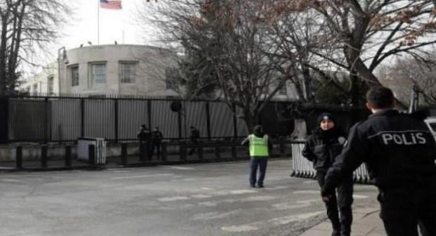 عاجل: إطلاق النار من سيارة باتجاه مبنى السفارة الأمريكية في عاصمة تركيا…