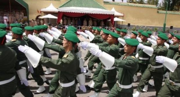 جميع المعطيات التفصيلية المتعقلة بالخدمة العسكرية التي يجب معرفتها وفق المقتضيات القانونية.