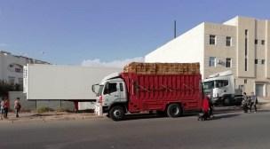 أكادير: ساكنة حي أسكا تحت رحمة هدير الشاحنات