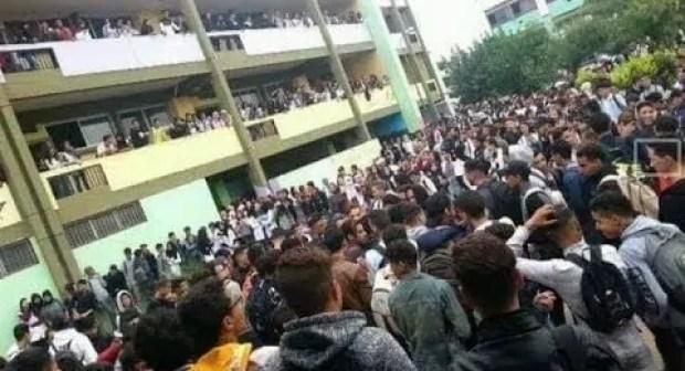 بالفيديو:تلامذة تارودانت يحتجون لليوم الثاني على التوالي بسبب ساعة العثماني