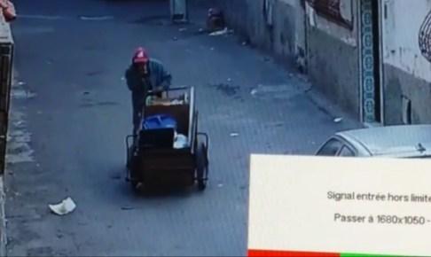 (بالفيديو)سرقة من نوع خاص:شخص يسرق سلات المهملات بأحياء أكادير