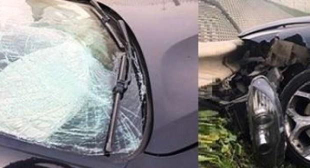 فنان مشهور ينجو من الموت في حادث تحطم جزء من سيارته، و يعلق على الحادث بتعليق معبر.
