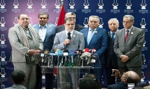 أنباء عن إجراء تعديل حـكومي مرتقب سيطيـح بـ: 8 وزراء وكتـاب دولـة.