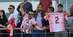بالفيديو و الصور: فرحة هيستيرية للاعبي حسنية أكادير بعد التأهل لمباراة ربع نهائي كأس الاتحاد الأفريقي.