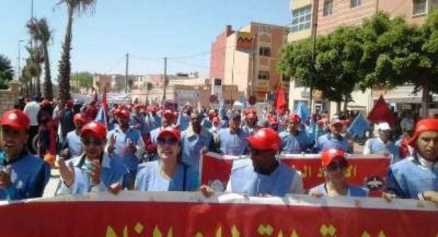 عمال القطاع الفلاحي بسوس يطالبون بوضع حد للتأخير في أداء أجورهم
