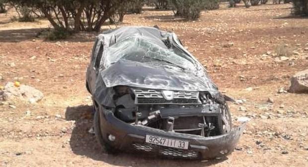 """عاجل و بالصور: انقلاب سيارة """"كاط كاط"""" بالقرب من مطار أكادير، و نجاة السائق و ابنه من موت محقق."""