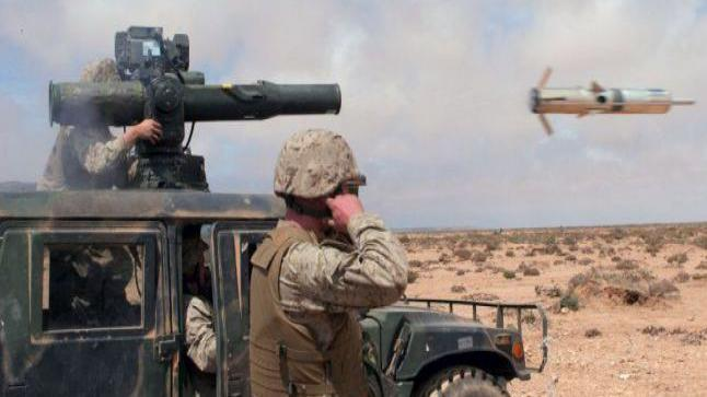 القوات المغربية الباسلة تلقن البوليساريو درسا جديدا، و تدمر سيارتين بالكامل.