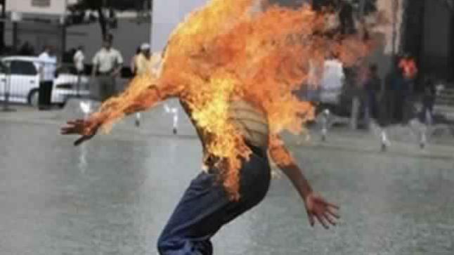 بعد بائعة البغرير ومالك تريبورتور .. سائق طاكسي يحرق نفسه بطنجة