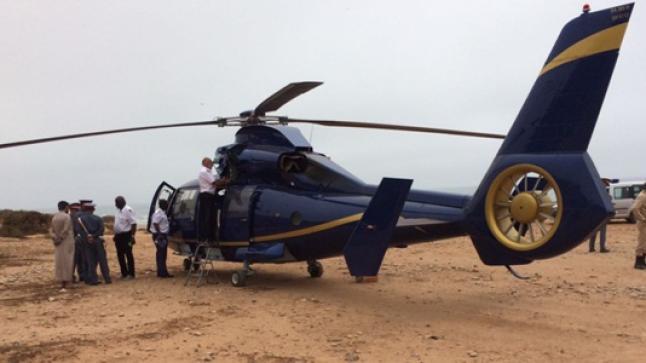 بالفيديو .. مروحية تقل 4 أجانب تهبط إضطراريا بشاطئ أورير شمال أكادير