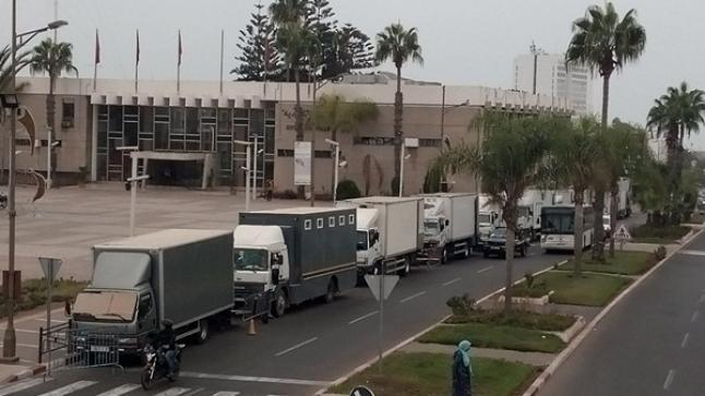 بالصور .. فيلم أمريكي حول الإرهاب يصور أمام بلدية أكادير