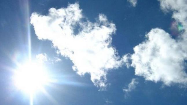 طقس حار وزخات مطرية رعدية ببعض المناطق اليوم الخميس