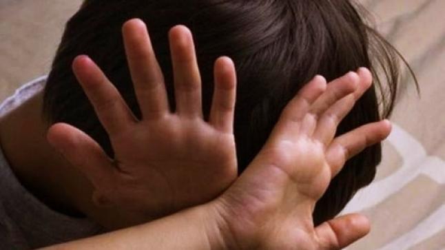 شخص يغتصب طفلين داخل مسجد باشتوكة .. وكاميرات المراقبة تكشف هويته
