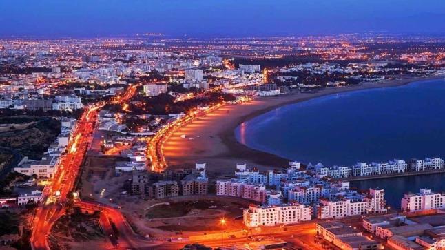 المغاربة يتصدرون السياح الوافدين على أكادير