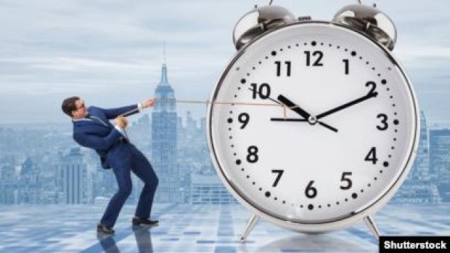 شركات الإتصالات تزيل الساعة الإضافية دون سابق إنذار