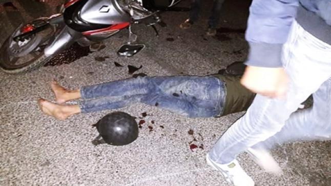 """إصابة 3 أشخاص في حادثة مروعة بأكادير بين دراجتين وسيارة """"بيكوب"""""""