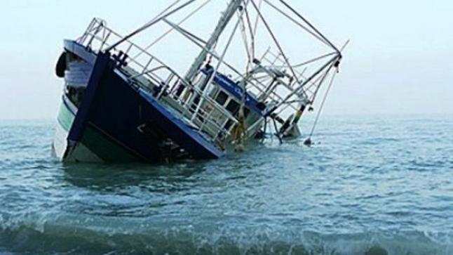 غرق مركب للصيد وإنقاد 12 بحاراً بسواحل إمسوان بأكادير (فيديو)