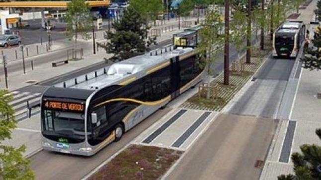 والي الجهة يترأس اجتماع لبحث إدماج الخط الأول للحافلات ذات خدمة عالية بأكادير