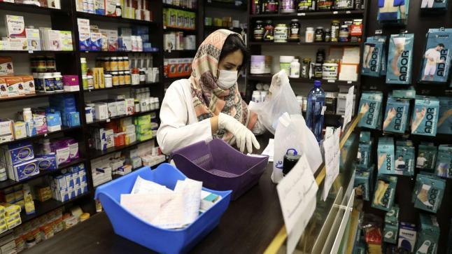 """دواء الكلوروكين المعتمد بالمغرب لعلاج """"كورونا"""" سيطرح في الصيدليات قريبا"""
