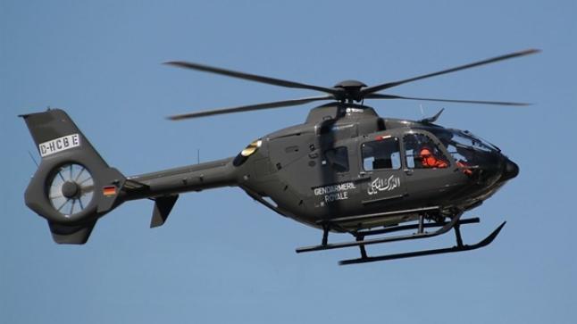 مروحية تابعة للدرك تنقذ 5 أشخاص حاصرتهم سيول واد سوس على مستوى إنزكان