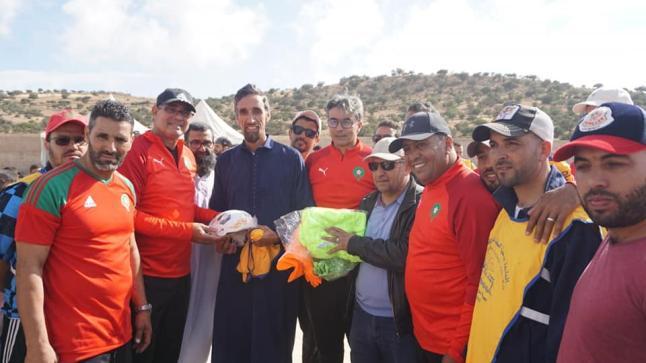 بينهم الزاكي والطاوسي.. أطر وطنية تشرف على تكوين عشرات الشباب شمال أكادير (صور)
