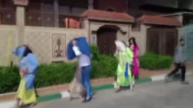 السلطات تداهم عرس بطمة وتخرج المدعوين (فيديو)