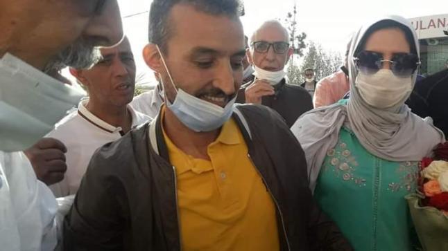 """فرحة عارمة بالمغرب بعد الحكم ببراءة الصحفي """"بوطعام"""" ابن مدينة تيزنيت"""