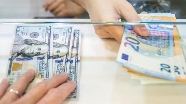 سعر الصرف..الدرهم يتحسن أمام الأورو وينخفض أمام الدولار