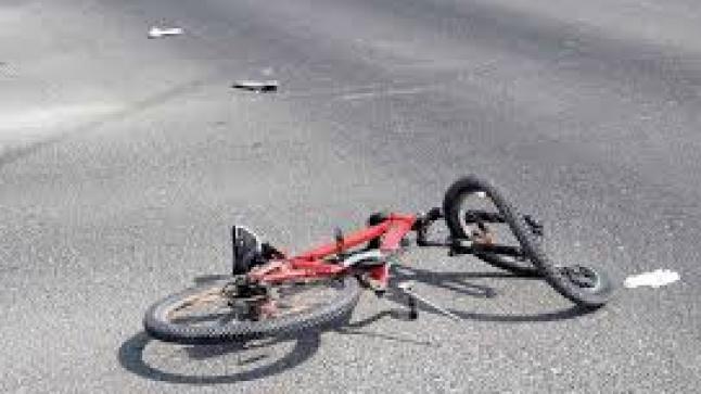 راكب دراجة يلقى مصرعه تحت عجلات شاحنة بالقليعة