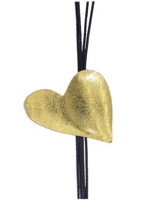 Χειροποίητο κολιέ από ορείχαλκο. Πανέμορφη καρδιά παντοτινό σύμβολο αγάπης, κολιέ δεμένο σε υψηλής ποιότητας μαύρο κορδόνι. Μήκος κολιέ 50cm.Όλα μας τα κοσμήματα μένουν αναλλοίωτα αφού έχουν εμβαπτιστεί σε ειδικά βερνίκια. Δημιουργίες με μοναδική αισθητική, που πάντα γοητεύουν και εντυπωσιάζουν, κάνοντας σας να αισθάνεστε stylish όλες τις ώρες της ημέρας.