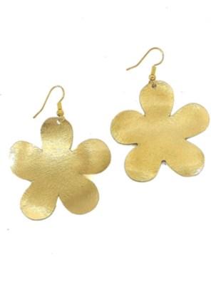 Χειροποίητα σφυρήλατα σκουλαρίκια από ορείχαλκο. Σκουλαρίκια λουλούδια που αποπνέουν ρομαντισμό. Τα σκουλαρίκια είναι υποαλλεργικά (Nickel free). Μέγεθος σκουλαρικιών 5,5cm μήκος. Τα σκουλαρίκια, διαχρονικά και σύγχρονα, είναι η λεπτομέρεια που τραβά τα βλέμματα και μαγνητίζει.