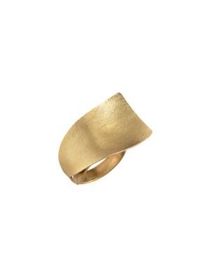 Χειροποίητο δαχτυλίδι από ορείχαλκο. Minimal φανταστικό κυματιστό δαχτυλίδι, στολίδι για τα χέρια σας. Όλα τα κοσμήματα Agapi concept μένουν αναλλοίωτα αφού έχουν εμβαπτιστεί σε ειδικά βερνίκια. Ρυθμιζόμενη γάμπα για όλα τα μεγέθη. Τα δαχτυλίδια είναι από τα πολύ αγαπημένα κοσμήματα για τις γυναίκες, αφού έχουν το πλεονέκτημα να είναι ορατά ανά πάσα στιγμή και να στολίζουν όμορφα τα χέρια. Επιλέξτε αυτό που ταιριάζει καλύτερα στην προσωπικότητα σας και απογειώστε όλα σας τα outfit.