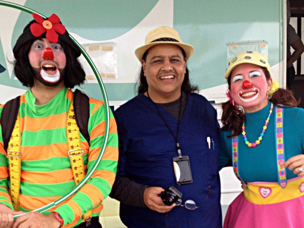 Vargas Vidot, un héroe sin capa, con Payaso Potoco y Payasa Agapita